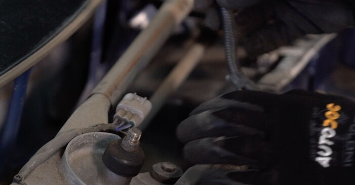 Wie schwer ist es, selbst zu reparieren: Stoßdämpfer Toyota Prius 2 1.5 (NHW2_) 2009 Tausch - Downloaden Sie sich illustrierte Anleitungen