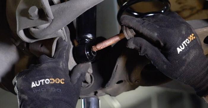 Kiek užtrunka keitimas: Volvo v50 mw 2011 Amortizatorius - informatyvi PDF instrukcija