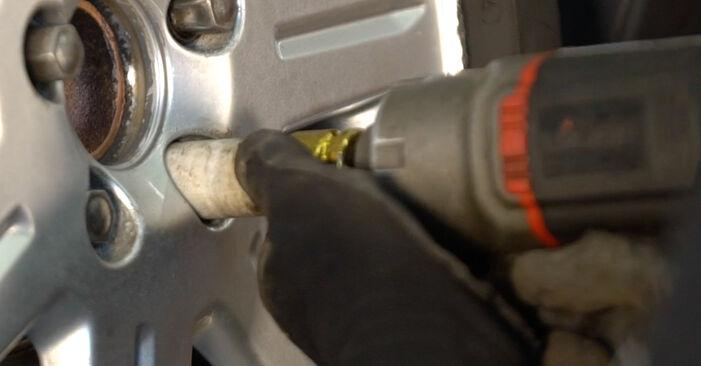 Volvo v50 mw 1.6 D 2005 Amortizatorius keitimas: nemokamos remonto instrukcijos
