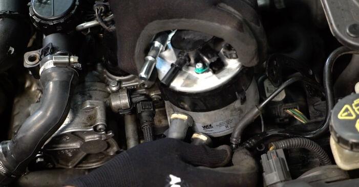 Tidsforbruk: Bytte av Drivstoffilter på Volvo v50 mw 2011 – informativ PDF-veiledning