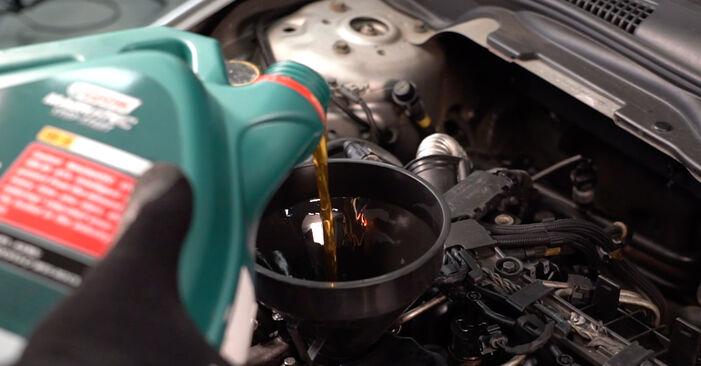 Wie Ölfilter Volvo V50 Kombi 2.0 D 2003 tauschen - Kostenlose PDF- und Videoanleitungen