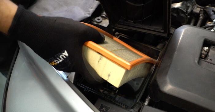 Luftfilter am VOLVO V50 (545) 1.8 2008 wechseln – Laden Sie sich PDF-Handbücher und Videoanleitungen herunter