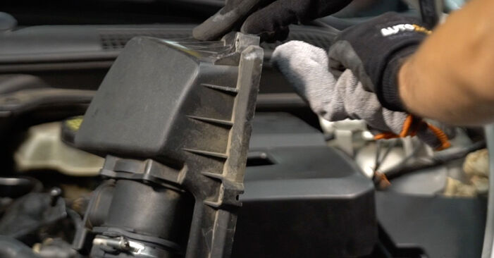 Luftfilter Ihres Volvo V50 Kombi 2.0 D 2011 selbst Wechsel - Gratis Tutorial