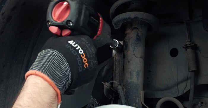 Bytte Fiesta Mk5 Hatchback (JH1, JD1, JH3, JD3) ST150 2.0 2002 Stabilisatorstag – gjør det selv med vår veiledning