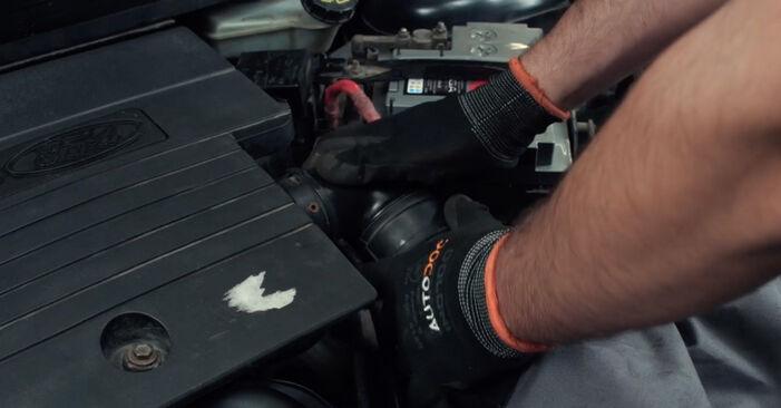 Ford Fiesta Mk5 1.4 16V 2003 Oro filtras keitimas: nemokamos remonto instrukcijos