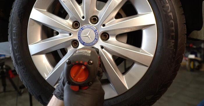 Mercedes W245 B 200 CDI 2.0 (245.208) 2007 Anti Roll Bar Links replacement: free workshop manuals