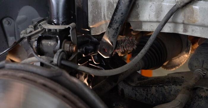 Koppelstange Ihres Mercedes W245 B 170 NGT 2.0 (245.233) 2006 selbst Wechsel - Gratis Tutorial