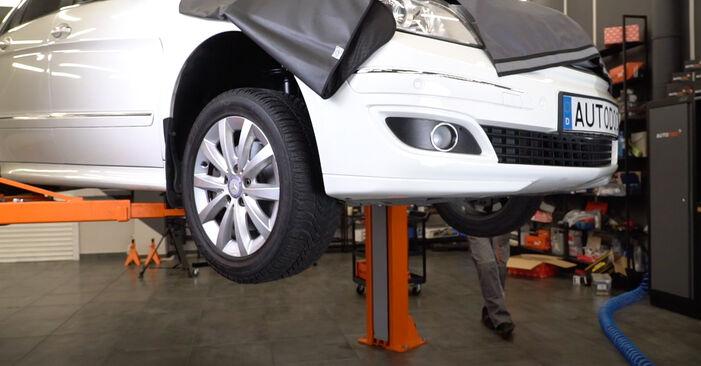 Koppelstange Mercedes W245 B 170 1.7 (245.232) 2007 wechseln: Kostenlose Reparaturhandbücher
