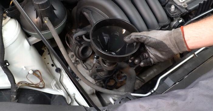 La sostituzione di Filtro Olio su Mercedes W245 2006 non sarà un problema se segui questa guida illustrata passo-passo