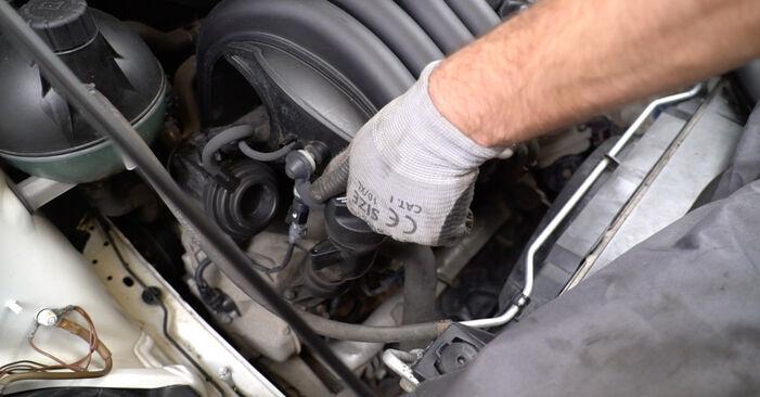 Mercedes W245 B 200 CDI 2.0 (245.208) 2007 Filtro Olio sostituzione: manuali dell'autofficina