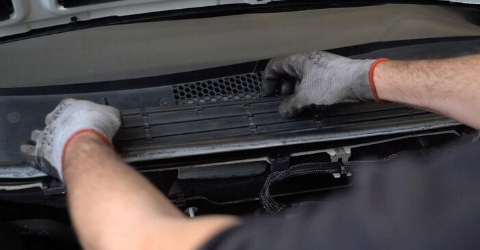 Innenraumfilter Mercedes W245 B 170 1.7 (245.232) 2007 wechseln: Kostenlose Reparaturhandbücher