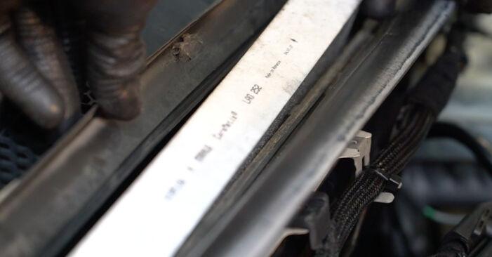 Wechseln Innenraumfilter am MERCEDES-BENZ B-Klasse (W245) B 200 2.0 (245.233) 2008 selber