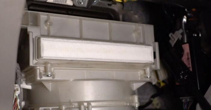 Kaip nuimti HONDA INSIGHT 1.3 Hybrid (ZE2) 2013 Oro filtras, keleivio vieta - nesudėtingos internetinės instrukcijos