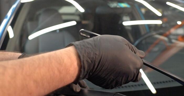 Trocar Escovas do Limpa Vidros no HONDA INSIGHT (ZE_) 1.3 Hybrid (ZE28, ZE2) 2012 por conta própria