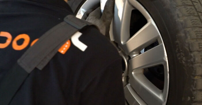 Jak zdjąć VW PASSAT 2.0 TDI 4motion 2009 Zawieszenie - łatwe w użyciu instrukcje online