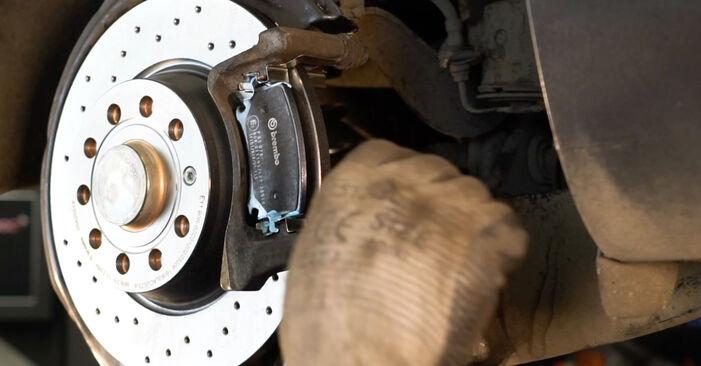 Byta VW Passat Variant (3C5) 1.9 TDI 2005 Bromsbelägg – gör det själv med onlineguide
