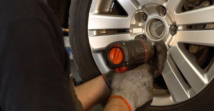 Så tar du bort VW PASSAT 2.0 TDI 4motion 2009 Bromsbelägg – instruktioner som är enkla att följa online