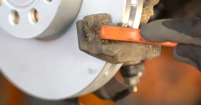 Tausch Tutorial Bremsbeläge am VW Passat Variant (3C5) 2010 wechselt - Tipps und Tricks