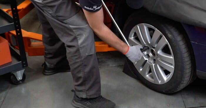 Bremsbeläge Passat B6 Variant 1.9 TDI 2007 wechseln: Kostenlose Reparaturhandbücher