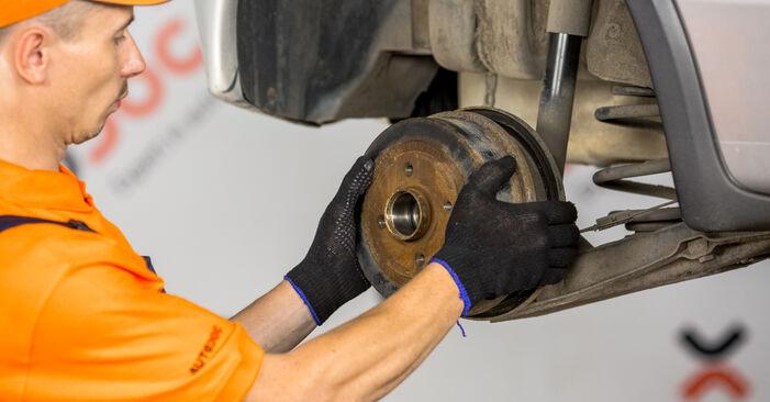 Bremsbacken Opel Corsa C 1.3 CDTI (F08, F68) 2002 wechseln: Kostenlose Reparaturhandbücher