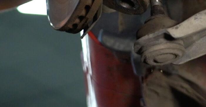 Stoßdämpfer am PEUGEOT 107 Schrägheck (PM_, PN_) 1.4 HDi 2010 wechseln – Laden Sie sich PDF-Handbücher und Videoanleitungen herunter