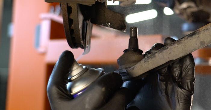 Wie schwer ist es, selbst zu reparieren: Stoßdämpfer PEUGEOT 107 1.0 2011 Tausch - Downloaden Sie sich illustrierte Anleitungen