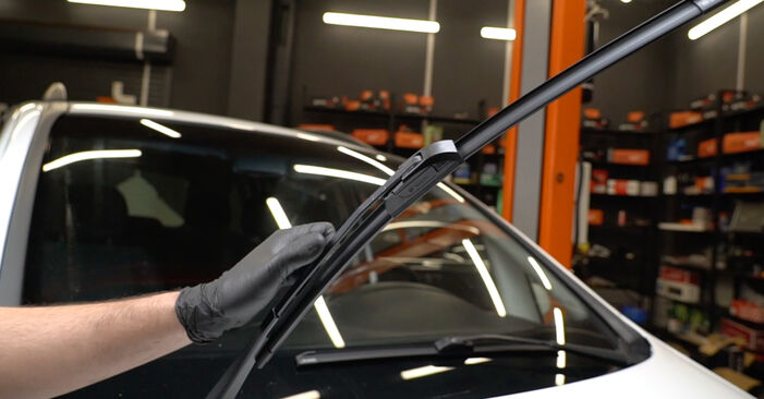 How to replace OPEL Zafira A (T98) 2.0 DTI 16V (F75) 2000 Wiper Blades - step-by-step manuals and video guides