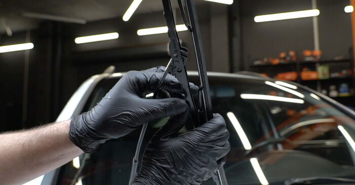 How to remove OPEL ZAFIRA 2.2 16V (F75) 2003 Wiper Blades - online easy-to-follow instructions