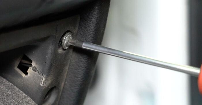 Innenraumfilter Opel Zafira A 2.2 DTI 16V (F75) 2001 wechseln: Kostenlose Reparaturhandbücher