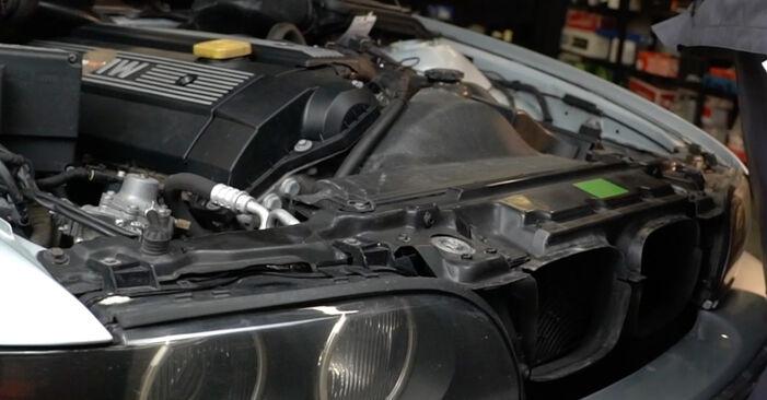BMW 5 SERIES 523i 2.5 Luftfilter ausbauen: Anweisungen und Video-Tutorials online