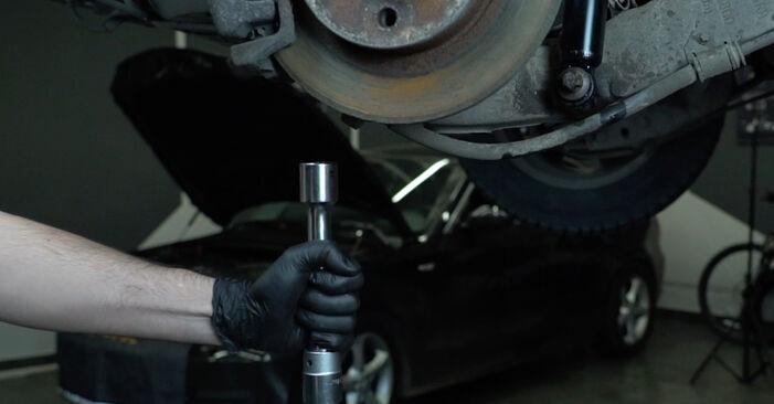 Vanskelighetsgrad: Bytte av Støtdemper på Opel Zafira f75 2.0 OPC (F75) 2005 – last ned illustrert veiledning