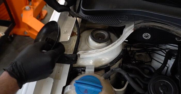 Wie VW POLO 1.6 2013 Stoßdämpfer ausbauen - Einfach zu verstehende Anleitungen online