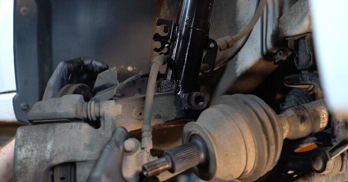 Wie schwer ist es, selbst zu reparieren: Stoßdämpfer VW Polo 5 Limousine 1.4 TSi 2015 Tausch - Downloaden Sie sich illustrierte Anleitungen