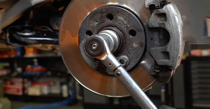 Stoßdämpfer am VW Polo Limousine (602, 604, 612, 614) 1.5 TDI 2014 wechseln – Laden Sie sich PDF-Handbücher und Videoanleitungen herunter