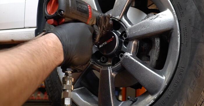 Austauschen Anleitung Stoßdämpfer am VW Polo 5 Limousine 2019 1.6 TDI selbst