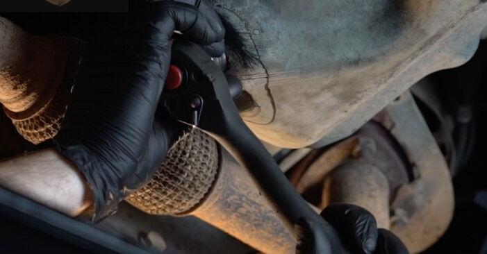 Wie schwer ist es, selbst zu reparieren: Ölfilter VW Polo 5 Limousine 1.4 TSi 2015 Tausch - Downloaden Sie sich illustrierte Anleitungen