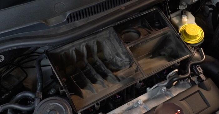 Wie lange benötigt das Auswechseln der Teile: Luftfilter beim VW Polo 5 Limousine 2017 - Detailliertes PDF-Tutorial