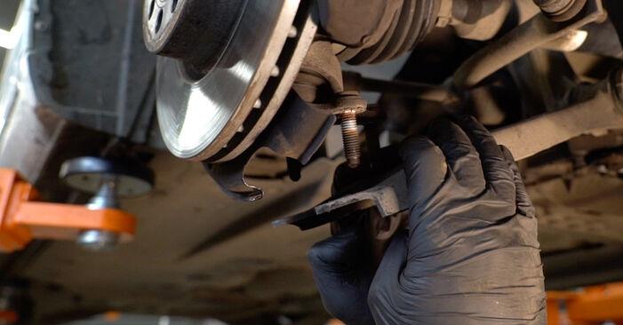AUDI A3 2011 Амортисьор стъпка по стъпка наръчник за смяна