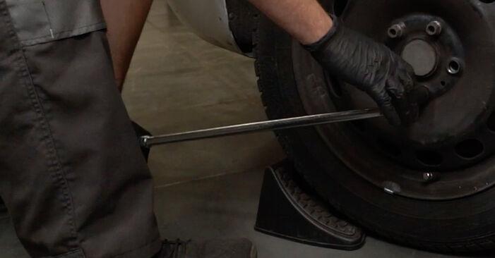 Wie Stoßdämpfer AUDI A3 Sportback (8PA) 1.9 TDI 2005 austauschen - Schrittweise Handbücher und Videoanleitungen