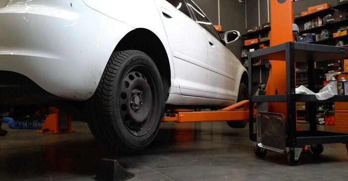 Stoßdämpfer Audi A3 8P 2.0 TDI 2006 wechseln: Kostenlose Reparaturhandbücher
