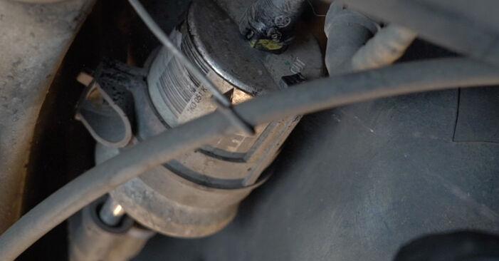 Audi A3 8PA 1.9 TDI 2006 Filtro Carburante sostituzione: manuali dell'autofficina