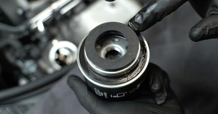 Tausch Tutorial Ölfilter am AUDI A3 Sportback (8PA) 2006 wechselt - Tipps und Tricks