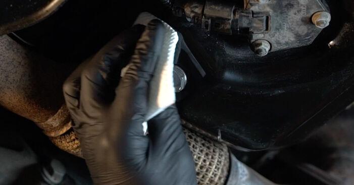 Wie Ölfilter AUDI A3 Sportback (8PA) 1.9 TDI 2005 austauschen - Schrittweise Handbücher und Videoanleitungen