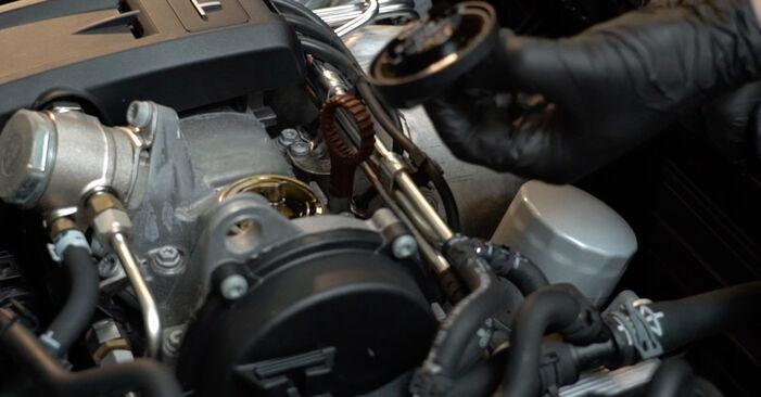 Ölfilter Audi A3 8P 2.0 TDI 2006 wechseln: Kostenlose Reparaturhandbücher