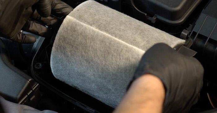 Levegőszűrő AUDI A3 Sportback (8PA) 2009 csere - töltsön le PDF útmutatókat és utasításokat tartalmazó videókat