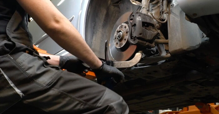 Changing Shock Absorber on FIAT GRANDE PUNTO (199) 1.4 16V 2008 by yourself