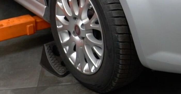 Wie Koppelstange Fiat Punto 199 1.3 D Multijet 2005 tauschen - Kostenlose PDF- und Videoanleitungen