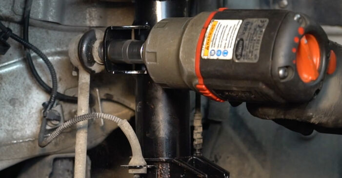 Wie schwer ist es, selbst zu reparieren: Koppelstange Fiat Punto 199 1.4 Natural Power 2011 Tausch - Downloaden Sie sich illustrierte Anleitungen