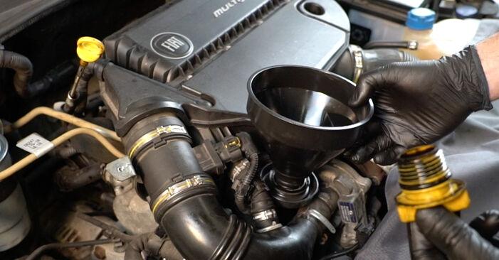 Fiat Punto 199 2015 1.3 D Multijet Alyvos filtras keitimas savarankiškai