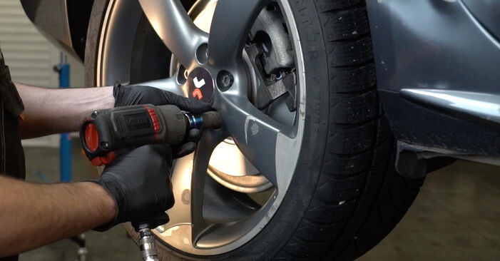 Zamenjajte Blazilnik na Audi A4 B8 Sedan 2008 2.0 TDI sami
